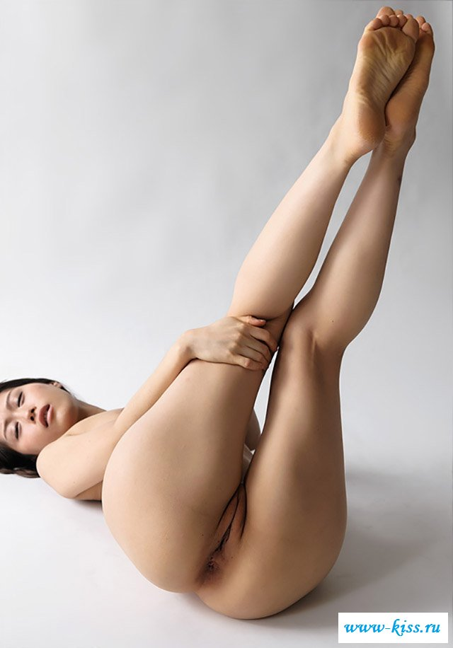 Asian Giving Footjob With Her Sexy Bare Feet