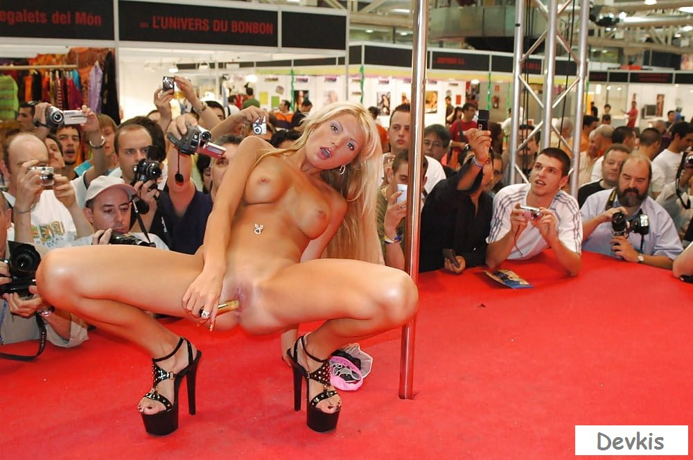 Sexy model girls show their hot bodies for cameras