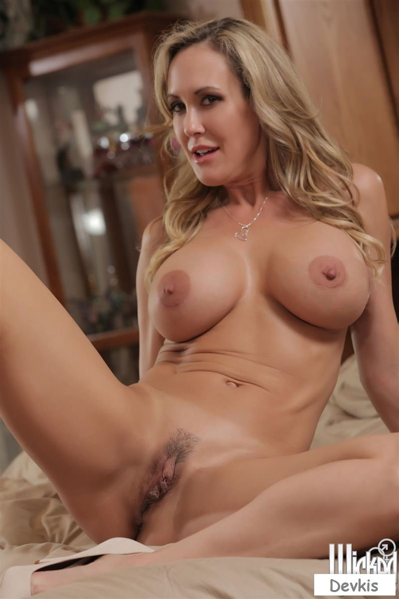 Naked brandi love in pussy portraits ancensored