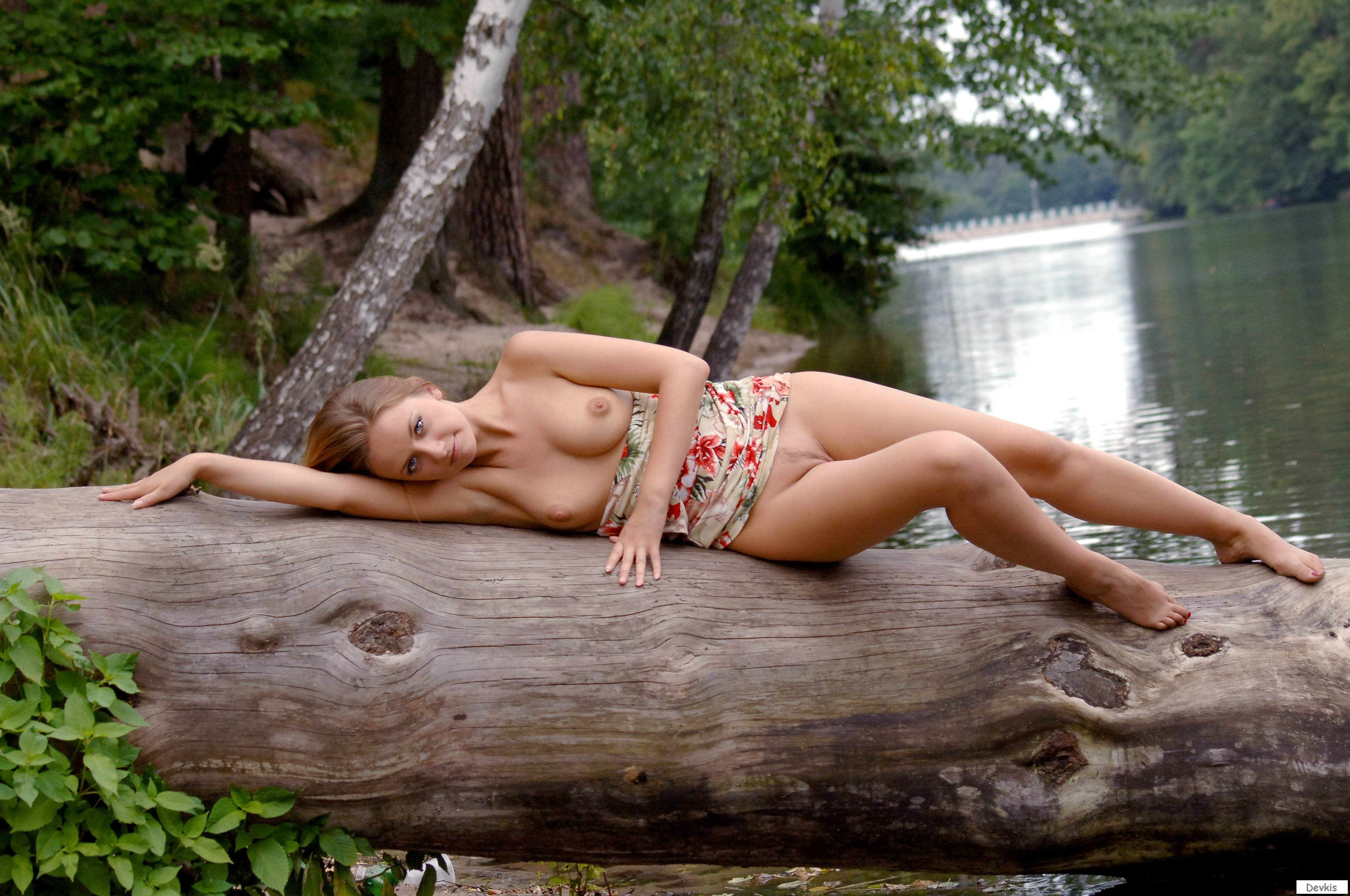 German Wife Laying Naked Outdoors Nude Girls Pictures