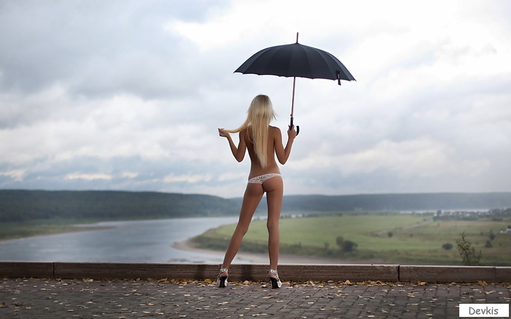 Foto naked umbrella girls