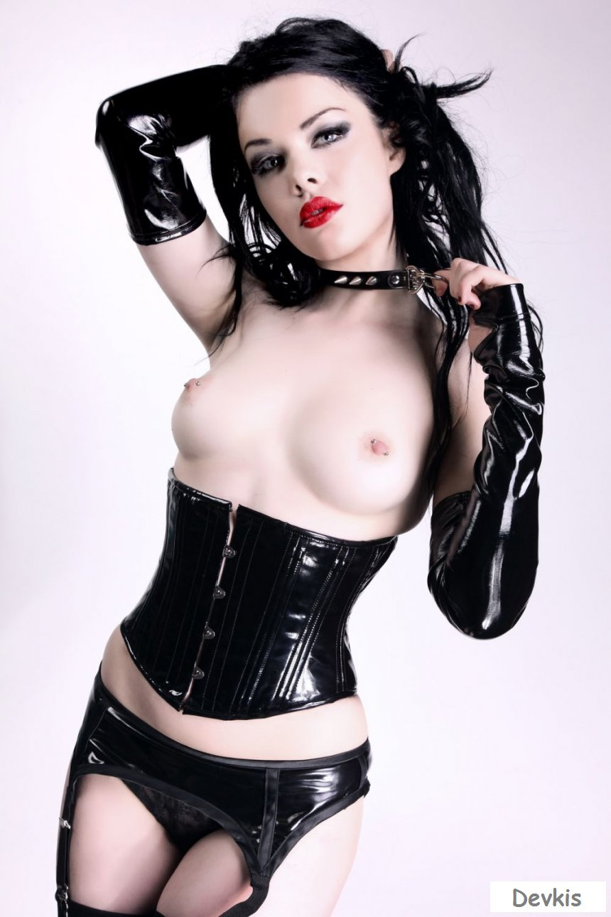 Tattooed Goth Girl Shows Off Her Corset And Hot Ass