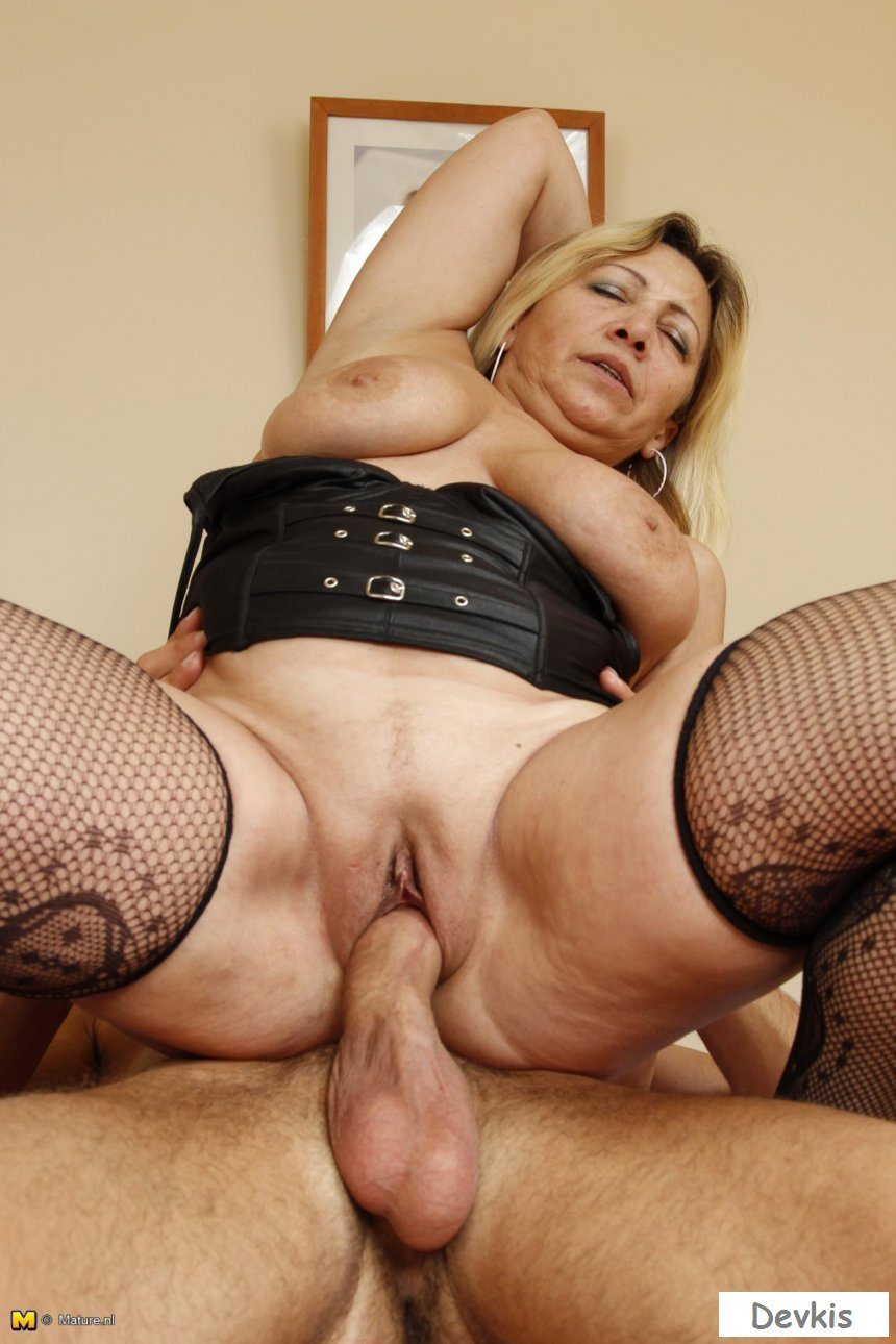 Sweet Sexy Milf Sex Moms, Busty Milf Mature Pussy Blowjob Porno, Free Mature Milf Anal Ass Images